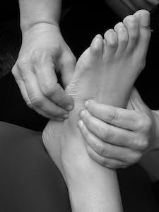 chiropractice care and therapy